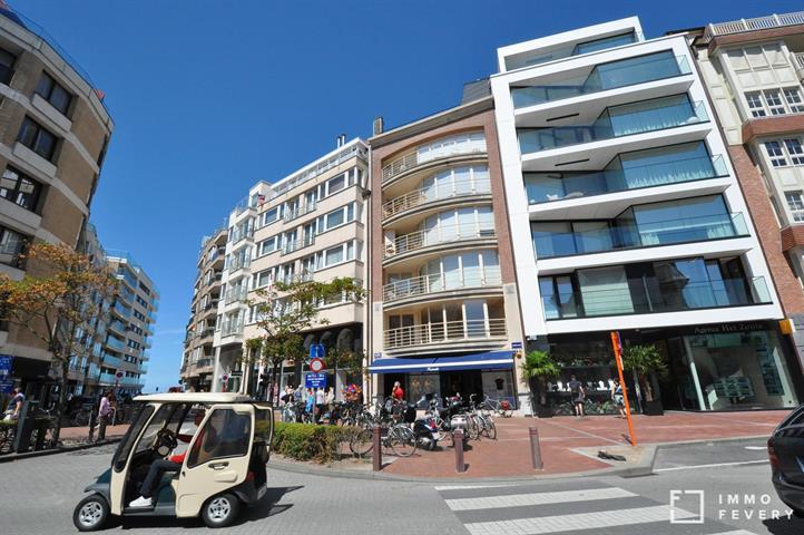 Ruim en zonnig appartement met 3 slaapkamers gelegen op de Kustlaan.