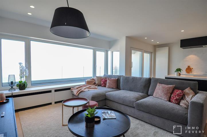 Prachtig appartement in residentie Ambassade op de zeedijk te Duinbergen!