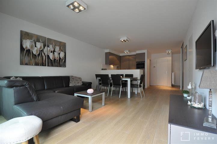 Zeer recent appartement nabij het Rubensplein en op enkele passen van de zeedijk.