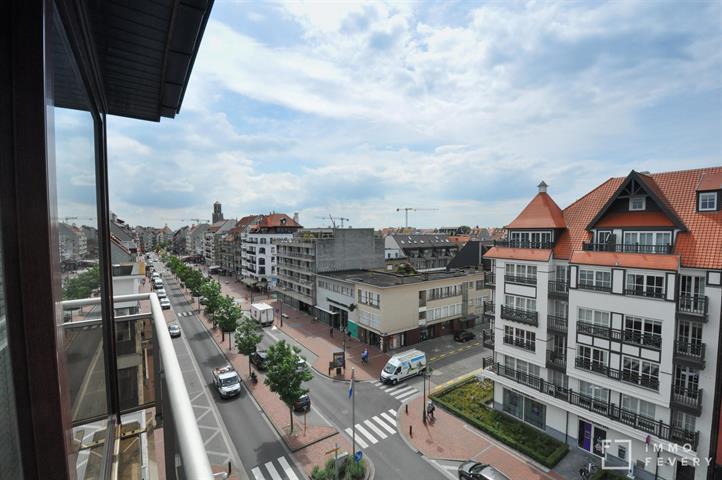 Hoekappartement met open zicht, gelegen in het centrum van Knokke.