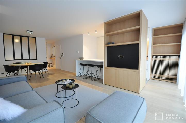 Zeer mooi gerenoveerd appartement, op enkele passen van het Rubensplein en de zeedijk.