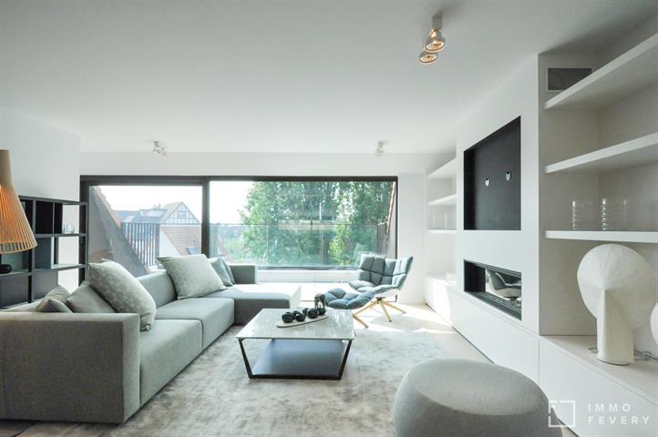 Magnifiek duplexappartement met uniek zicht over de villa's, rustig gelegen dichtbij het centrum van Knokke.