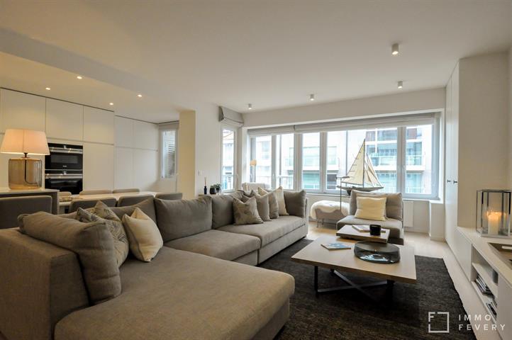 Subliem appartement met gevelbreedte van 7,4m en zijdelings zeezicht!
