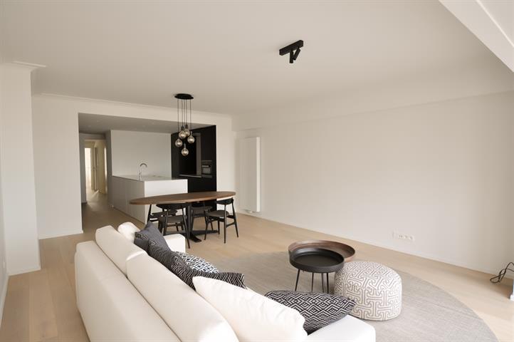 Gerenoveerd appartement met een fantastische ligging op het RUBENSPLEIN.