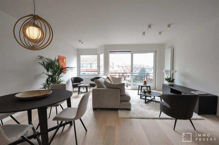 Appartement ensoleillé avec vue dégagée, entièrement rénové, situé tout près de la digue!