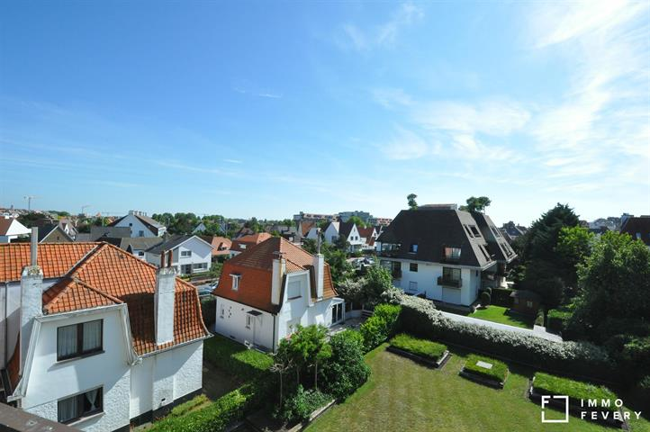 Appartement ensoleillé dans une villa résidence à Albertplage.