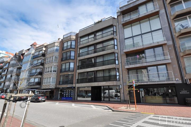 ZONNIG appartement op enkele passen van het RUBENSPLEIN te Knokke.